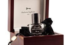 Parfums Sophiste / Французский парфюмерный дом Parfums Sophiste — квинтэссенция нишевости и невероятно изысканный хрестоматийный образец французского парфюмерного искусства во всей его красоте.