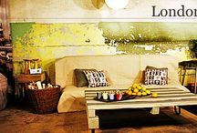 kolekcja LONDON STREET ze strony www.gdel.pl / Ławy i stoły z kolekcji London Street  stworzone zostały ze starannie wybranych materiałów i oryginalnych części.  W towarzystwie wiklinowych koszy, drobnych hantli czy rzeźby  zyskują one jeszcze bardziej niepowtarzalny klimat wielkiego miasta.