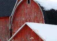I love barns! / by Debby Thiemann