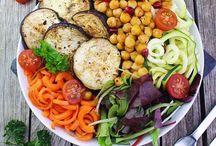 bowls und Salate