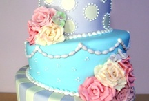 Cakes / by Valeria Prieto