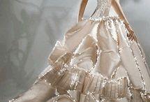 Abiye elbiseler / En sıradışı ve en şık abiye elbiseler en uygun abiye elbise fiyatları ile sayfalarımızda sizlerin beğenisine sunulmaktadır. Abiye elbise markaları tarafından imal edilen en güzel abiye modelleri için sayfalarımızı takip etmenizi öneririz.