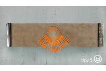 Bijoux de plage / Ces bracelets sont les accessoires complémentaires indispensables de votre tenue de plage ou estivale. En effet , quoi de plus attrayant et élaboré qu'un bracelet assorti à son maillot de bain , ses tongs ou sa tunique de plage .... Les bracelets HIPANEMA sont de magnifiques rubans colorés de Bahia associés à des pierres de quartz et une variété de coquillages. Portez les en double ou en triple, le plus follement possible ! http://www.viva-playa.fr/bijoux-de-plage