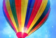Balões  O Céu Para Voar / Balões no Ar Passeando Entre as Nuvens
