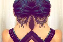 Tatouages dans le cou