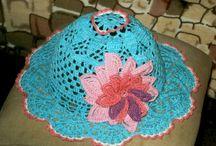 Мои юбки, сарафаны, жилетки, шляпки. / Из разной пряжи вяжу внучкам шляпки и панамки.