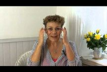 EFT Tapping TV / Tapalong videos using EFT Tapping to help you deal with the ups and downs of life.  www.clairephayes.com