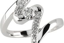 Pretty Jewelry / by Sonya Ellis-Hopkins