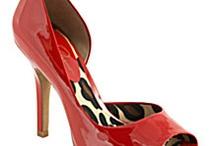 High Heels Oh la la / by Rainy Parton
