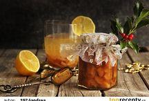 džusy, ovocné šťávy, čaje