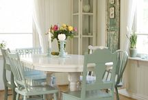 paint old kitchen table and chairs
