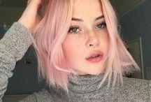 Blond und Pastell