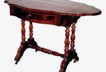 style louis philippe / Il se situe entre 1830 et 1848 environ. C'est un style massif et confortable, influencé par la Renaissance, le Moyen Age et le style Louis XV, tout en demeurant très proche de la Restauration. Le mobilier s'industrialise et se simplifie.