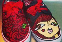ZAPATILLAS PINTADAS A MANO PARA NIÑAS Y NIÑOS - HANDPAINTED SNEAKERS FOR THE CHILDREN / Zapatillas idelas para niñxs de todas las edades. Awsome sneakers for the children. WWW.PNITAS.ES