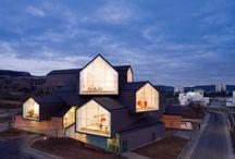 Arkkitehtuuri ja sisustus