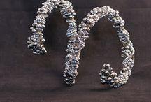 Moodboard Bijoux / Idées de Bijoux, remarquables, originaux, classiques ... ils me touchent et c'est tout !
