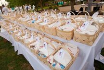 Elegant Picnic Menus / Images and menu suggestions for your Diner en Blanc culinary experience