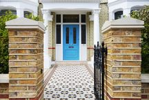 Wandsworth Front by Really Nice Gardens / We designed this Wandsworth front garden to create a smart entrance with a mosaic path.