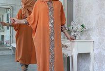 Tesettür Elbise Modelleri / Bahyezen.com'da sezon boyu indirimli ürünler tesettür elbise modelleri kampanyalı fiyatlarla ücretsiz yurt dışı kargo seçenekleriyle satişta