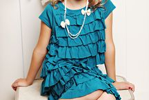 older kids styled photography. / Children fashion trend photography for inspiring older kids photography sessions.