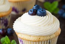 Cupcake Lovers / by Belle Marfori