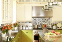 Kitchen Color Inspiration / Add pizzazz to your kitchen with the perfect color palette. Whether you choose a classic kitchen color scheme or go bold, even a hint of color can give your kitchen an instant facelift.