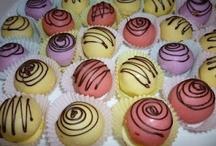 Cookie Balls / by Julie Bug