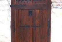 kapu,kerítés