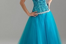 Clothes <3 fancy dresses / full of dresses that I think are beyond beautiful. Possible prom, homecoming, wedding ,etc... Super PRETTY / by Audrey Malerich