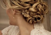 Wedding hair accessories / Veils, Tiaras, Fascinators and Bridal hair style