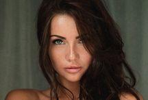 Blue eyes -color