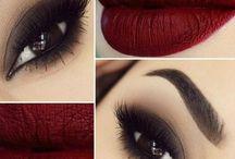 Labios De Color Rojo Oscuro