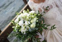Bouquet fiori bianchi / White flowers bouquets: elegante e romantico, il colore bianco è un classico nei fiori per matrimonio, in particolare nei bouquet da sposa.