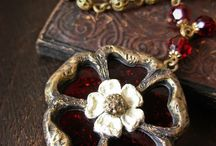 tudor roses / .