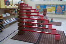 Montessori combinazioni scala marrone aste rosse e torre rosa