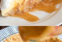 Banana cream pies