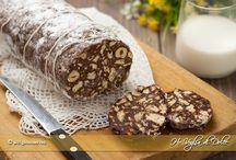 Salami di cioccolato e torte di biscotti
