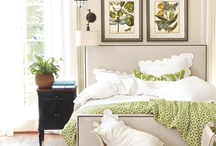 Green garden bedroom
