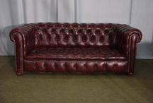 Arrivage de meubles vintage et canapés chesterfield anglais Mai 2016 / photos d'enfilades, de commode,bureaux et canapés chesterfield anglais.