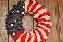 DIY- Wreaths / Hang em on wall, hang em on a door, gotta make em all! / by Piper Hoskins