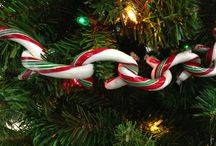 Easy Holiday Decorating Ideas / Get that warm homey, holiday feeling in a matter of seconds