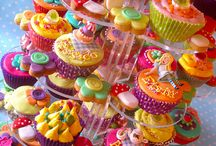 Decorated cakes  / Cup cakes & bickies