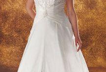 Curvaceous Brides  / by Jean Poole