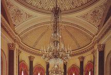 Tarihi Saraylar / Saraylar devlet ve hükümet başkanlarının yaşadıkları yerlerdir.