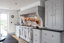 Classic kitchen / Traditional and luxury kitchen. Классически и традиционные кухни.
