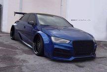 Audi / Ta tablica jest na temat samochodów zwanych audi.Jest to niemiecka marka samochodów.