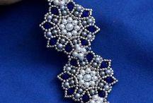 bracciale blu fiori