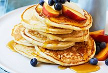 Easy pancake recipes / The sweet & savoury pancake recipes that will have you springing from your bed each morning – tofu pancakes, ricotta pancakes, cheese pancakes, choc pancakes…