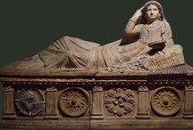 ARTE ROMANA / L'arte romana: l'origine a partire dalla già affermata arte medio-italica, il peculiare sdoppiamneto in arte patrizia e plebea e la sua originalità attraverso il ritratto, il rilievo storico e le strutture architettoiche.