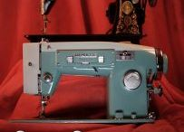 Vintage Sewing Machines / Vintage Sewing Machines